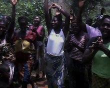Women in Rogbora welcome Fambul Tok
