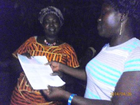handing over cheque in Heremakono